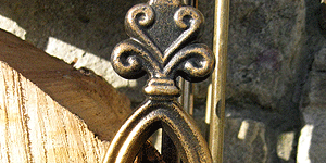 log-holder-antique-bronze-range-detail-_2487-300x150