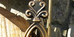 log-holder-antique-bronze-range-detail-_2487-300x150